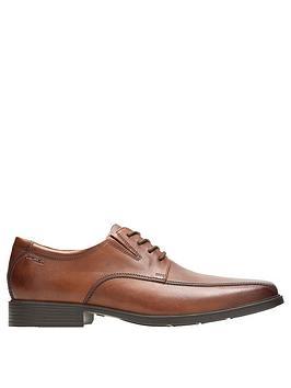 clarks-tilden-walk-shoe