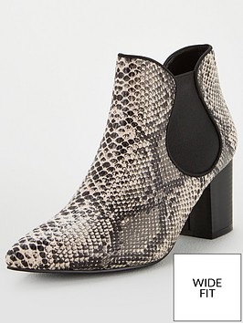 v-by-very-mandy-wide-fit-point-low-block-heel-chelsea-boot