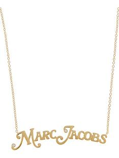 marc-jacobs-the-nameplate-necklace-gold