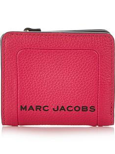 marc-jacobs-lunch-box-mini-compact-wallet-pink
