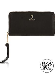 marc-jacobs-softshot-standard-continental-wallet-black