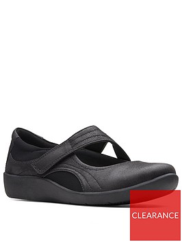 clarks-cloudsteppers-wide-fit-sillian-bella-flat-shoes-black