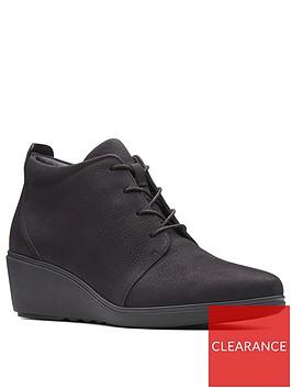 clarks-clarks-unstructured-un-tallara-eva-wedge-ankle-boot