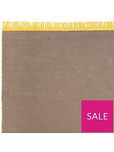reversible-plain-rug-with-fringe