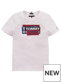 tommy-hilfiger-boys-sticker-short-sleeve-t-shirt-white