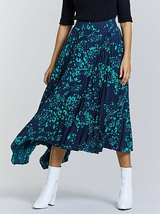 michelle-keegan-pleated-asymmetric-printed-skirt-leopard