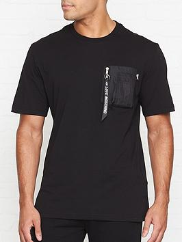 love-moschino-contrast-pocket-t-shirt