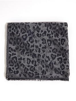 warehouse-leopard-print-scarf