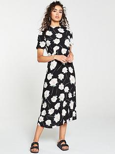 warehouse-mia-floral-dress-black