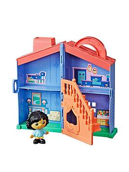 moon-me-take-and-go-toy-house