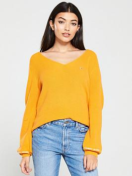 tommy-jeans-logo-v-neck-sweater-yellow