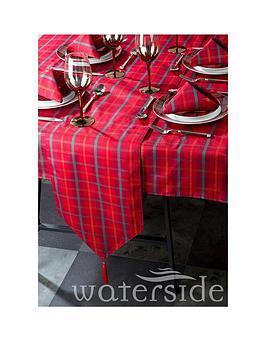 waterside-festive-tartan-table-linen-set