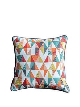 gallery-lagom-scandi-triangle-cushion