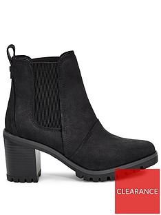 ugg-hazel-ankle-boots-black