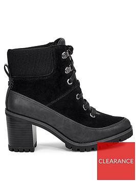 ugg-redwood-ankle-boots-black