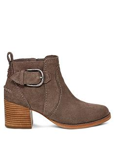 ugg-leahy-ankle-boots-mole