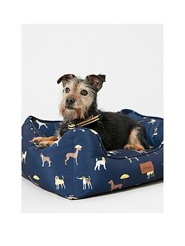 joules-coastal-collection-dog-square-bed