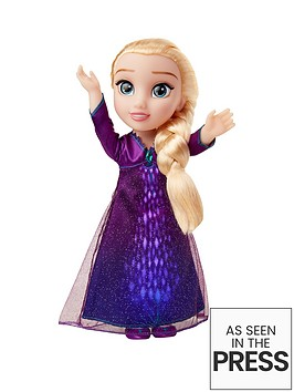 disney-frozen-2-singing-elsa