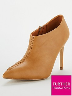 wallis-prince-ankle-boot