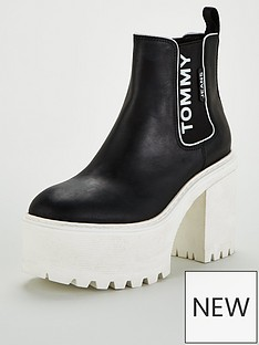 tommy-jeans-chelsea-cleated-heeled-boot