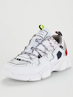 tommy-hilfiger-city-voyeger-chunky-trainers-white