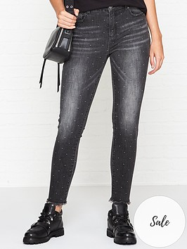 sofie-schnoor-distressed-raw-hem-skinny-jeans-black