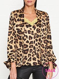 sofie-schnoor-leopard-print-blazer-leopard