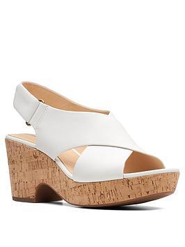 clarks-maritsa-lara-leather-chunky-heeled-sandals-white