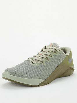 nike-metcon-5-olive