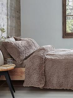 catherine-lansfield-cuddly-faux-fur-duvet-cover-set