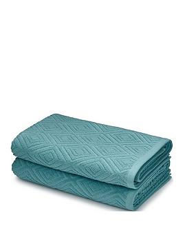 catherine-lansfield-diamond-sculptured-bath-towels