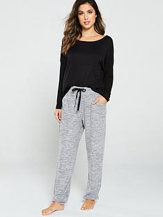 pour-moi-sofa-love-cross-strapped-long-sleeve-pyjama-top-black