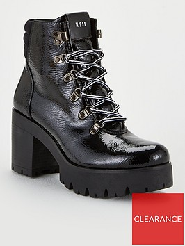 steve-madden-hallow-ankle-boots-black