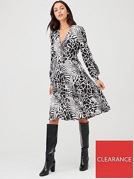v-by-very-wrap-pleated-skirt-dress-print