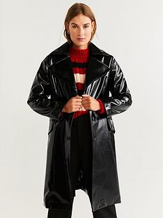 mango-vinyl-trench-coat