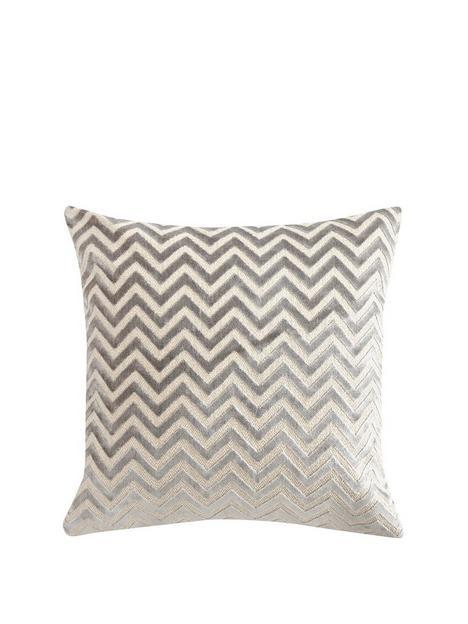 luxe-collection-zig-zag-velvet-cushion