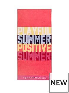 tommy-hilfiger-playful-beach-towel