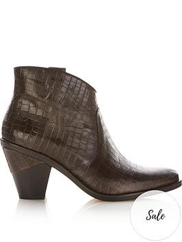 kanna-suva-ankle-boots-black