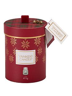 yankee-candle-christmas-white-fir-medium-jar-candle-gift-set