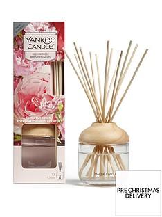 yankee-candle-reed-diffuser-ndash-fresh-cut-roses