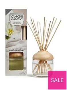 yankee-candle-reed-diffuser-ndash-fluffy-towels