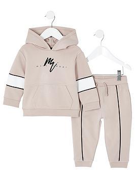 river-island-mini-mini-boys-rebel-hoodie-outfit-stone