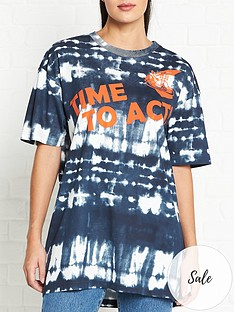 vivienne-westwood-anglomania-time-to-act-orb-tie-dye-print-t-shirt-navy