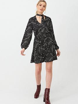 oasis-star-pussybow-skater-dress-blackwhite