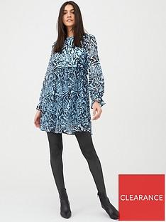 v-by-very-plisse-smock-dress