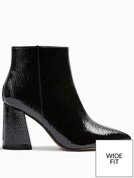 topshop-wide-fit-hackney-block-heel-boot-black