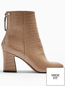 topshop-wide-fit-belize-block-heel-smart-boots-taupe