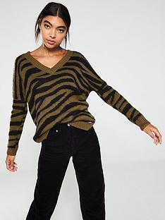 superdry-edit-zadie-zebra-vee-knit-jumper-khaki