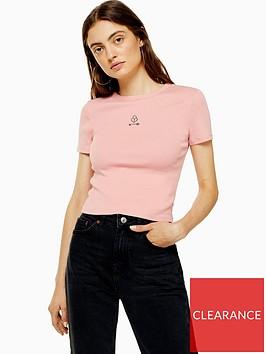 topshop-lock-heart-crop-t-shirt-pink