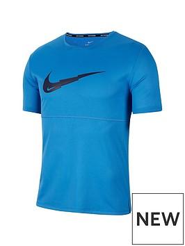 nike-breathe-run-graphic-swoosh-t-shirt-blue